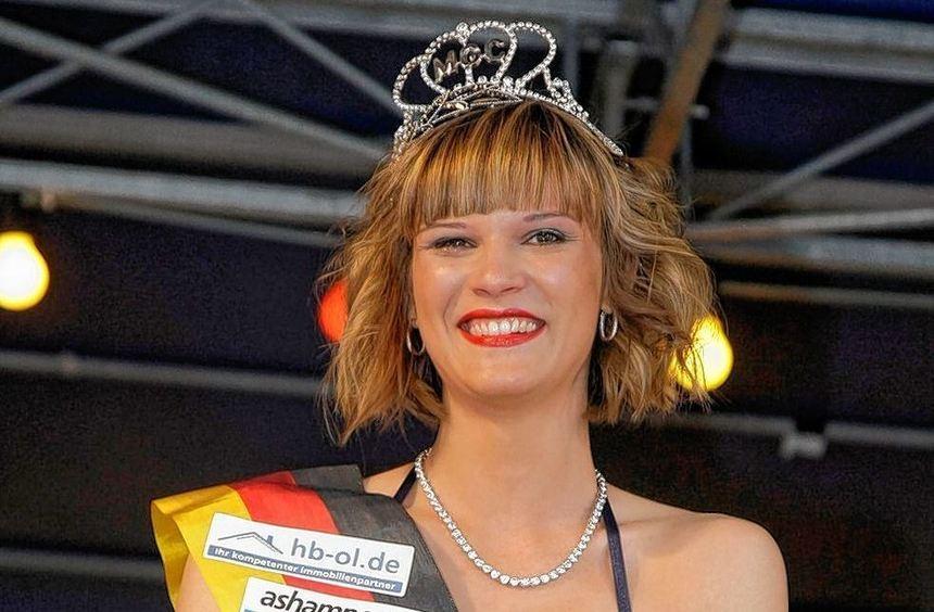 Siegerbild mit Strauß und Krone: Nach ihrem zweiten Platz im vergangenen Jahr durfte Anja Kugler ...