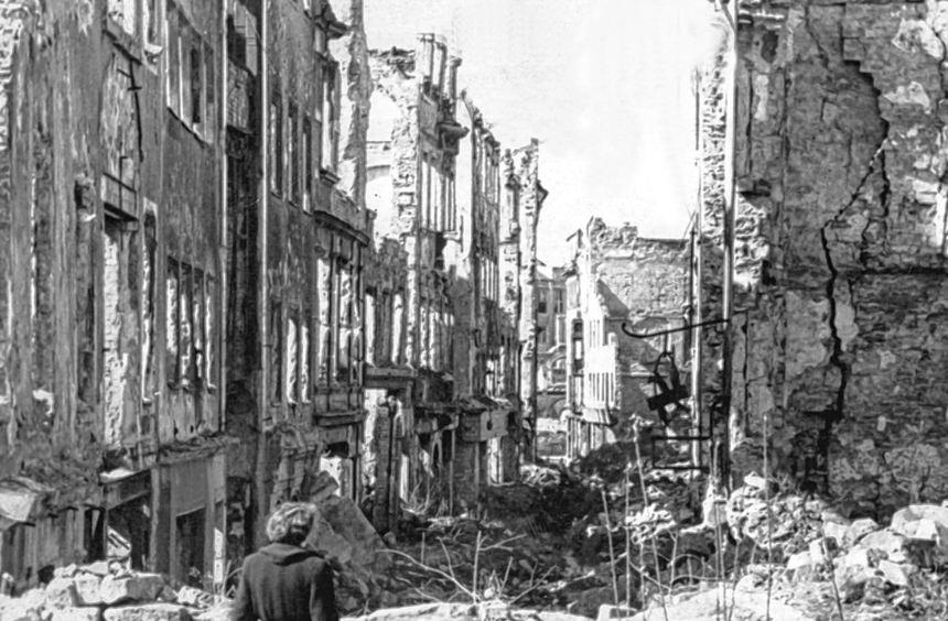Krieg, Tod, Zerstörung - das 20. Jahrhundert hat nicht nur in Städten wie Dresden Spuren ...