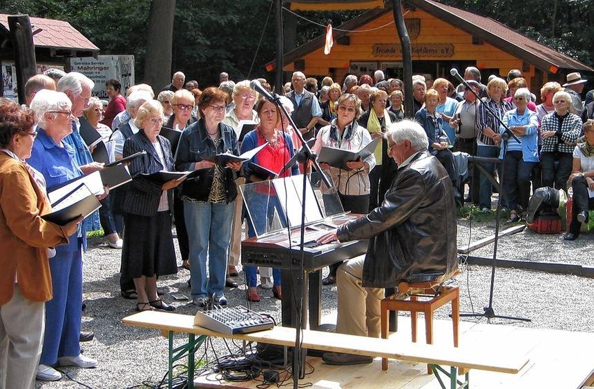 Der gemischte Chor des Siedlergesangvereins Freundschaft war nur einer von sechs Chören, die beim ...