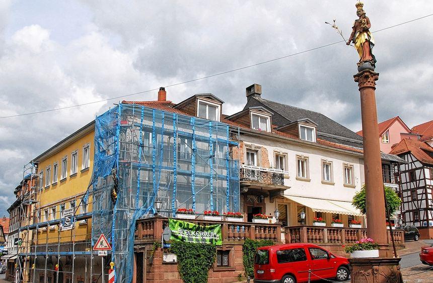 """Positives Beispiel zum Thema Stadtsanierung: Das Hotel """"Prinz Carl"""" wird derzeit umfassend ..."""