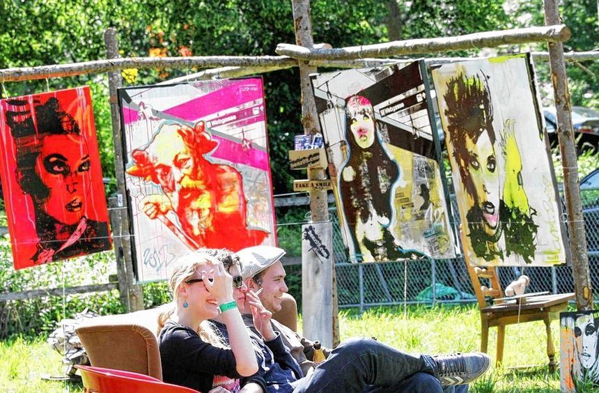 """Im Buchener Morretal fand am Wochenende zum zweiten Mal das """"Kunstrasen-Open-Air"""" statt. Das bunte ..."""
