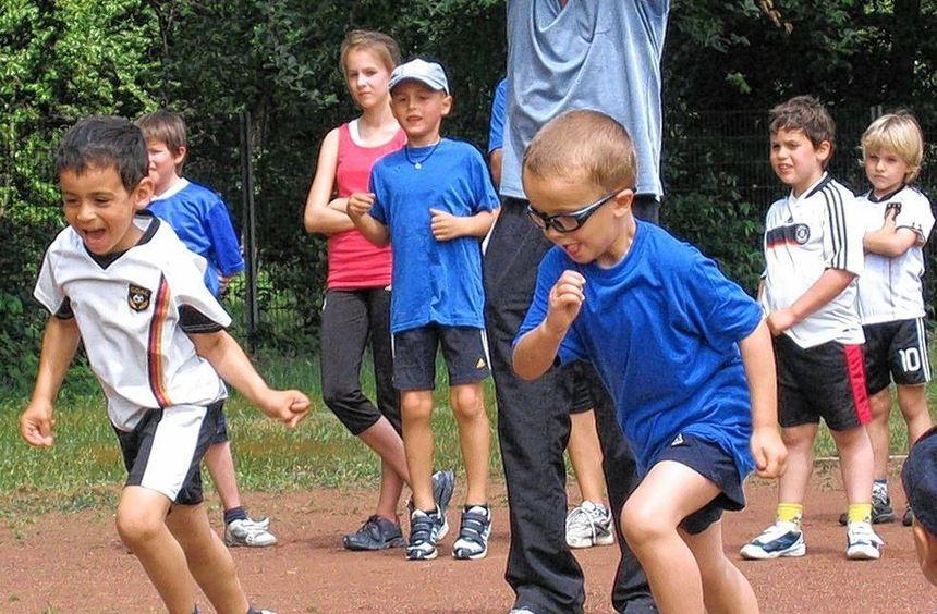 Bei der vereinsinternen Meisterschaft der HSV-Leichtathleten gingen auch die jüngsten Sportler mit ...