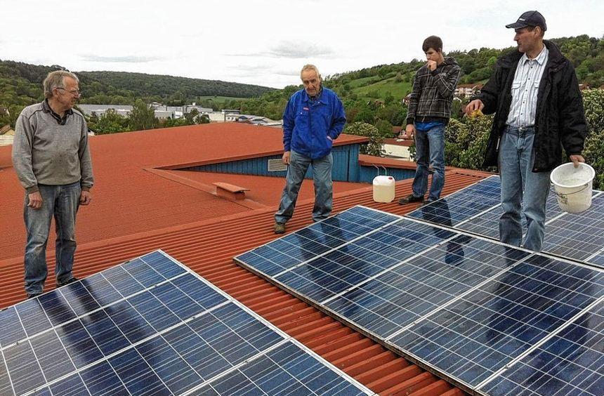 Vor fast zwölf Jahren ging die Photovoltaik-Anlage auf dem Creglinger Schulhausdach als erste ...