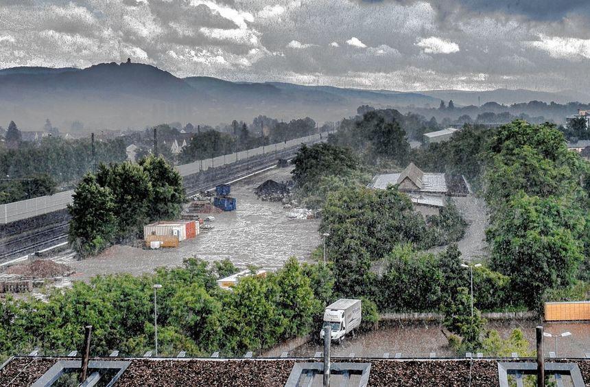 Die dunklen Wolken über dem Güterbahnhofgelände scheinen sich zu verziehen - im Ortsbeirat West ...