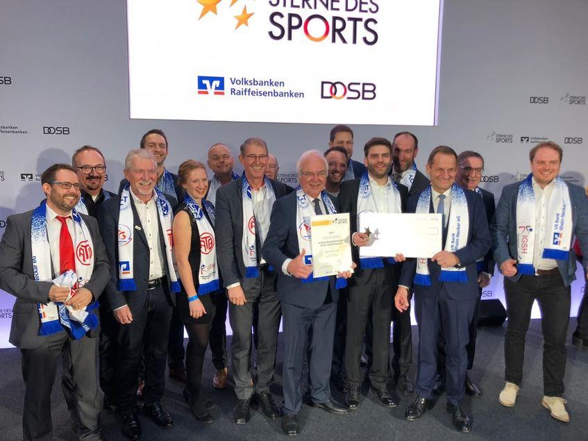 """Die Vertreter von IGSH, VR Bank Rhein-Neckar und Gemeinde Heddesheim bei der Preisverleihung """"Sterne des Sports"""" in Berlin."""