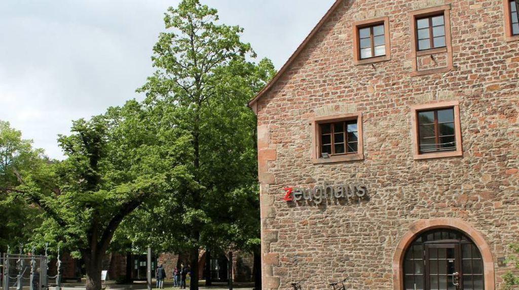 Studenten Menus Statt Waffen 100 Jahre Zeughaus Mensa In Heidelberg Heidelberg Nachrichten Und Informationen
