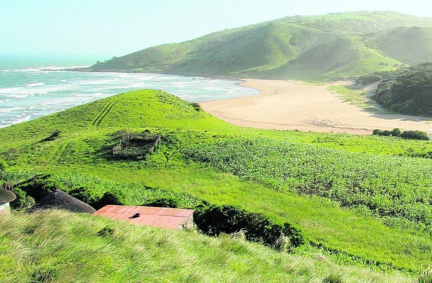 Die Siedlung Mbotyi an der Wild Coast Südafrikas bietet sich ideal als Ausgangspunkt für mehrtägige ...