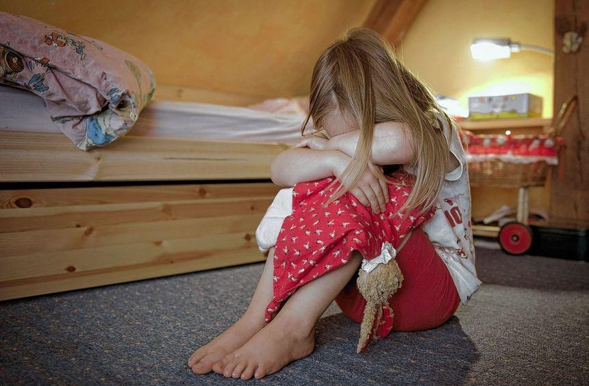 Jedes fünfte Mädchen im Alter von bis zu 18 Jahren leidet einmal unter Depression. Die Hälfte davon ...