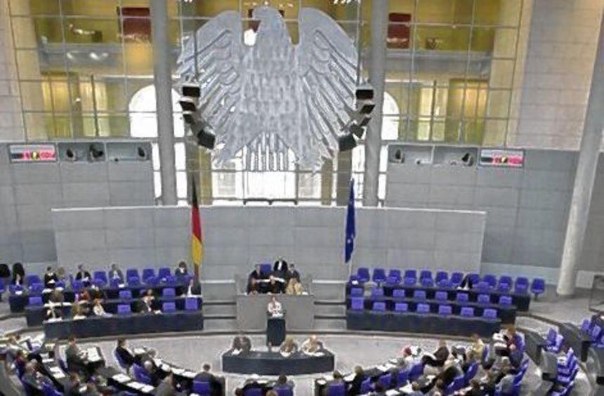 Leere Stühle sind im Bundestag keine Seltenheit.