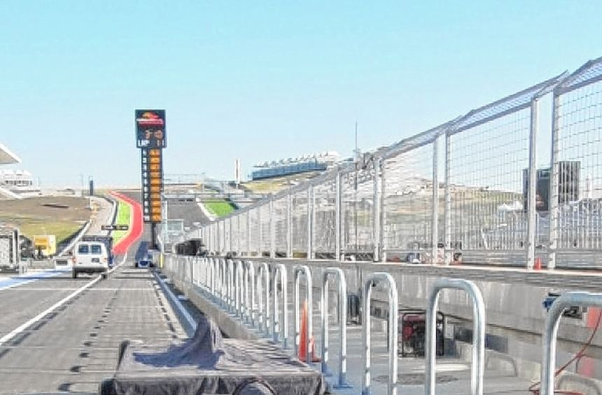 Aufbauarbeiten auf dem Circuit of the Americas in Austin: Am Sonntag steigt dort der Große Preis ...
