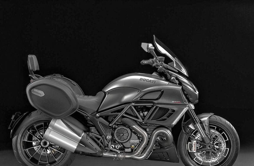 """Der Power-Cruiser Ducati Diavel profiliert sich in der neuen Variante """"Strada"""" als ..."""