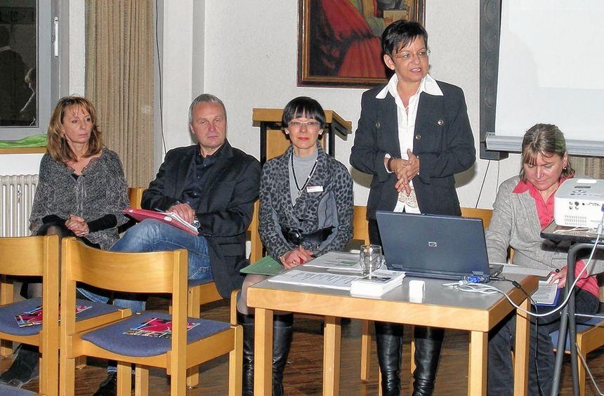 Den Fragen der interessierten Besucher stellten sich: (von links) Susanne Fernkorn, ...