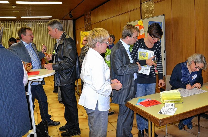 630 Bürger zogen im letzten Jahr nach Ilvesheim. Einige davon kamen jetzt zum Neubürgerempfang in ...