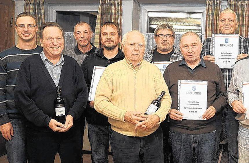 Die Wald-Erlenbacher Kulturgemeinde zeichnete verdiente Mitglieder aus.