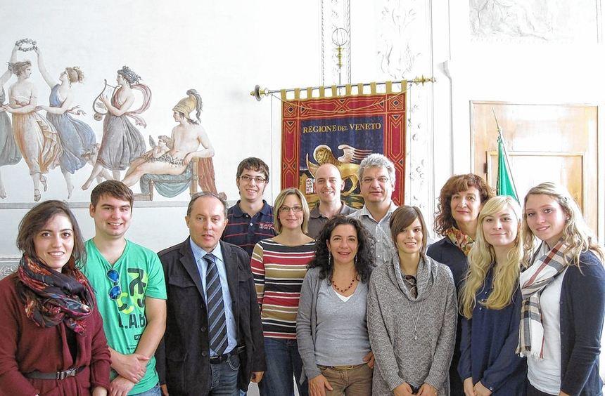 Azubis, Berufsanfänger und Ausbilder der Stadtverwaltung Viernheim zu Besuch im Regionalparlament ...