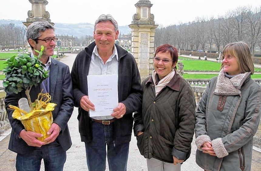 Für 40 Jahre im öffentlichen Dienst geehrt wurde der Weikersheimer Schlossgärtner Hans-Jörgen ...