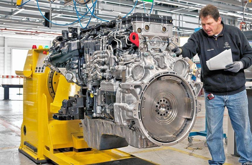 7000 Lkw- und Busmotoren aus Mannheim soll Daimler-Partner Kamaz zunächst jährlich erhalten.