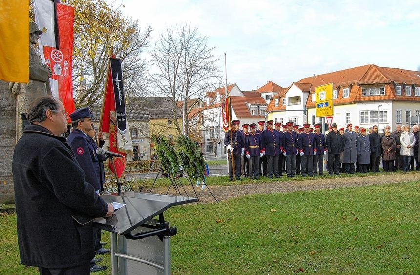 Dekan Gerhard Hauk hielt die Gedenkrede im Rahmen der Feier zum Volkstrauertag in ...