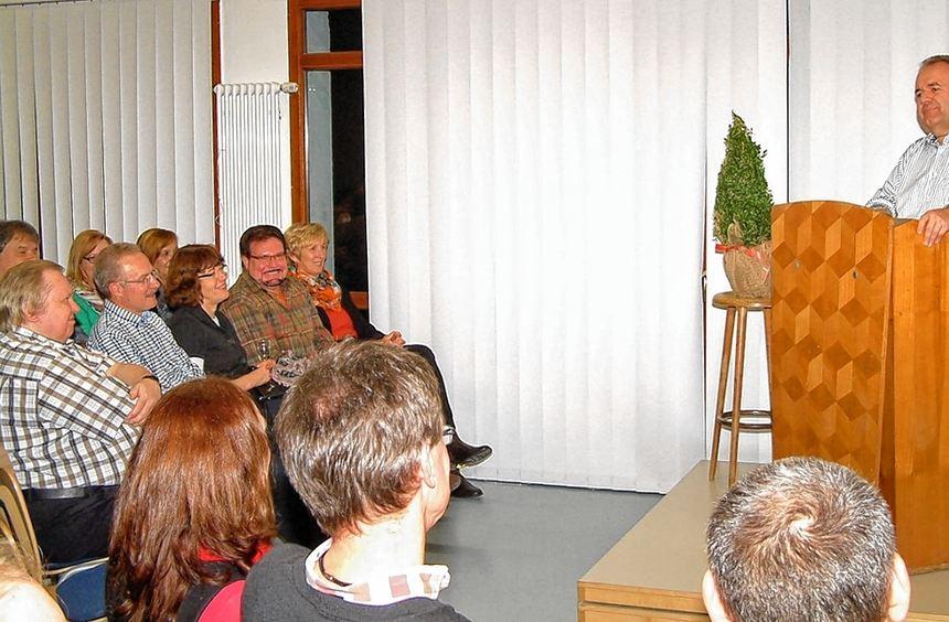 """Kein Auge blieb trocken, als Winfried Wagner in Reicholzheim sein Programm """". . . mit herzlicher ..."""