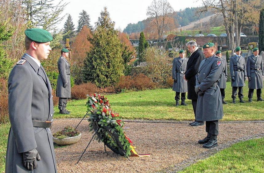 Wie hier in Hardheim wurde am gestrigen Volkstrauertag vielerorts der Kriegstoten und Opfer von ...