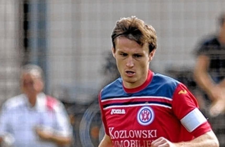 VfR-Kapitän Phil Weimer erzielte beide Treffer in Neckarelz.