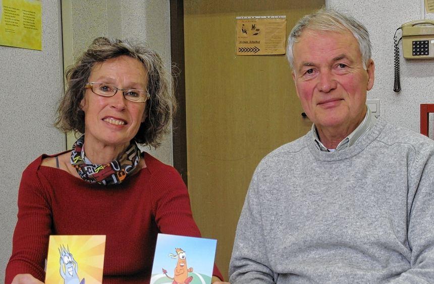 Wie sie sich fühlen, zeigen die Pestalozzi-Grundschüler den beiden Mediatoren Birgit Sprenger und ...