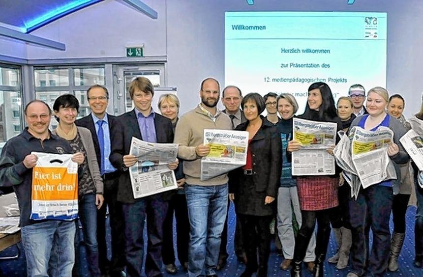 """""""Schüler machen Zeitung"""" - das Projekt bietet Lehrern eine gute Basis für einen auf ..."""