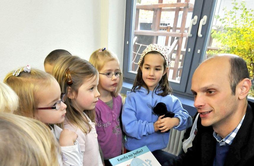 Ein gern gesehener Gast in den Zwingenberger Kindergärten ist Bürgermeister Dr. Holger Habich. Seit ...