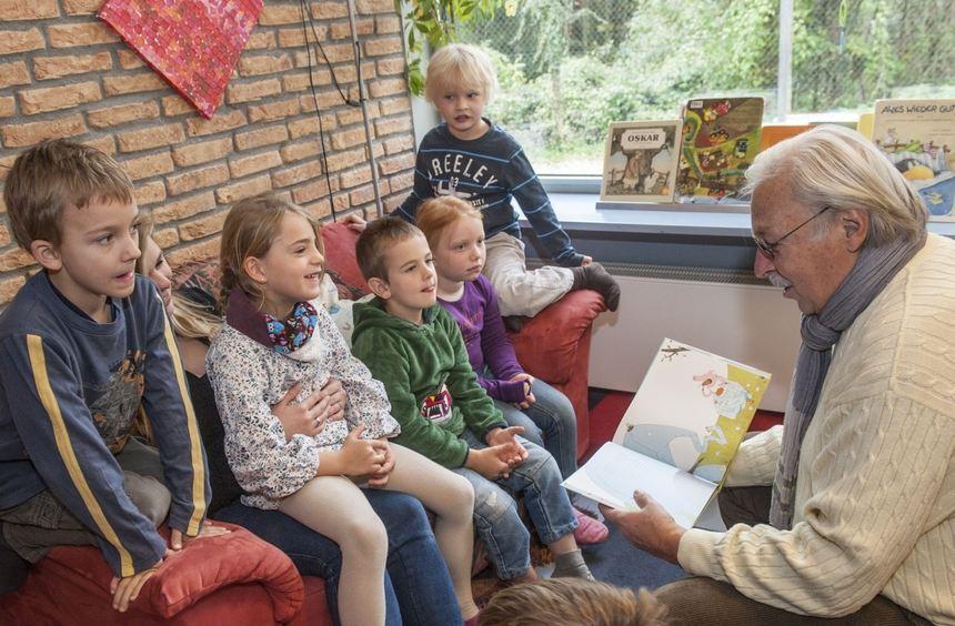 Nicht nur den Kindern, auch Günther Hunsicker macht die BA-Vorlesestunde viel Spaß. In diesem Jahr ...