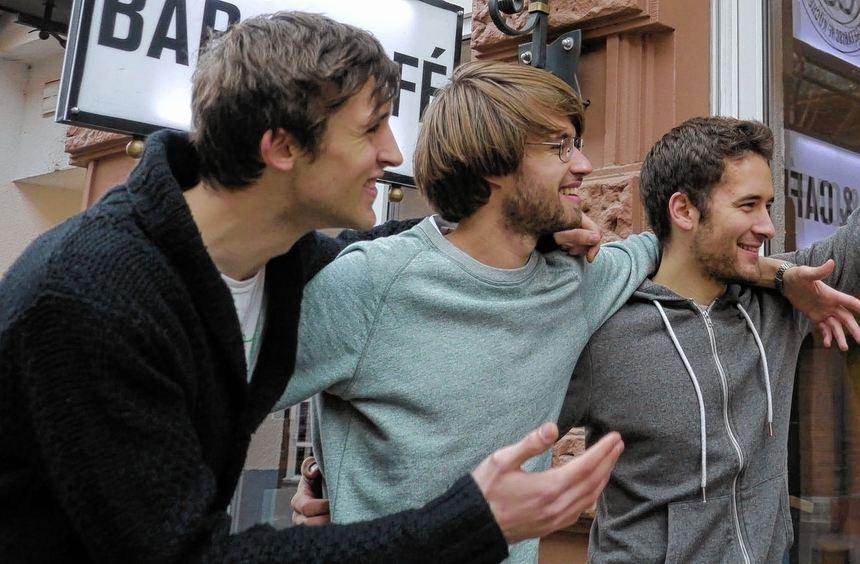 """Toby, Rafael und Nicolas haben in der Kombüse einen """"Carrot Mob"""" organisiert. Dem Küchenchef ..."""