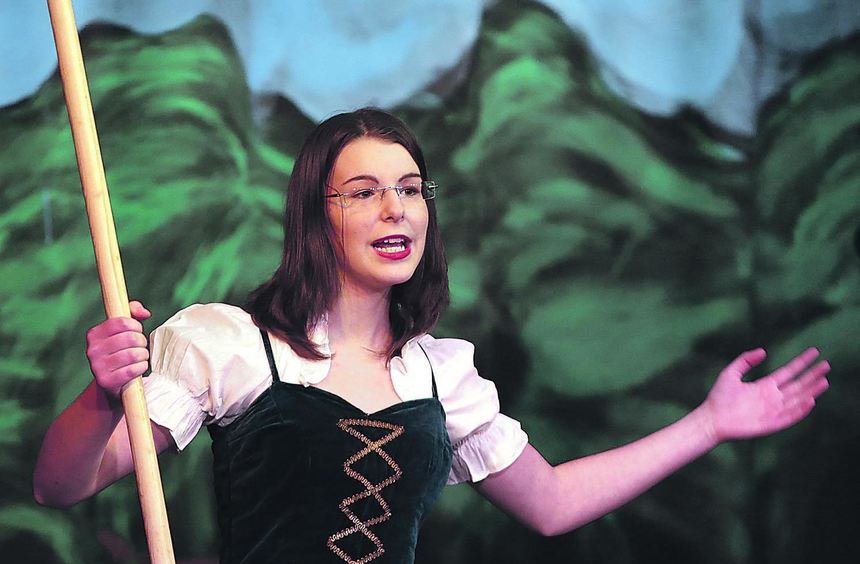 Die Kindertheatergruppe der Pfarrei St. Pius in Neuostheim begeistert mit Schneewittchen (Lena ...
