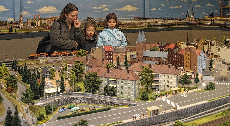 lokomotiven und landschaften locken viernheim. Black Bedroom Furniture Sets. Home Design Ideas