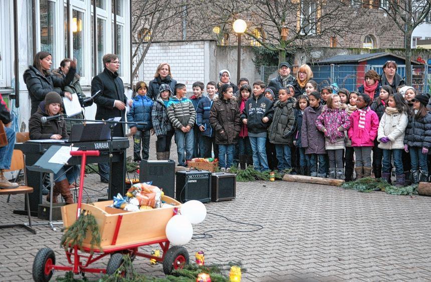 Lebensmittel für arme Menschen in der Stadt: Jungbusch-Grundschüler stifteten Essbares und feierten ...