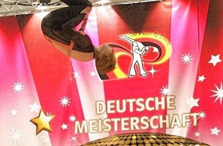 Tobias und seine Tanzpartnerin bei der Deutschen Meisterschaft.