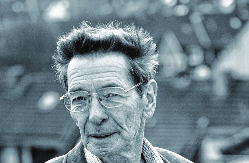 Nach 30 Jahren Oper entflammte Dirigent Helmut Imig für Filmmusik. Im Rosengarten spielt er mit ...