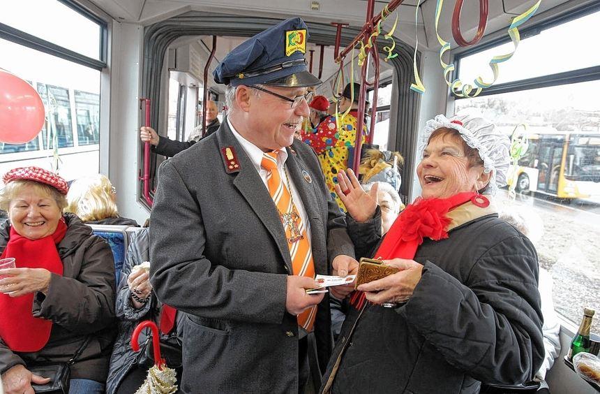 """Am Fasnachtssamstag fährt die """"Närrische Straßenbahn"""" wieder durch Ludwigshafen."""