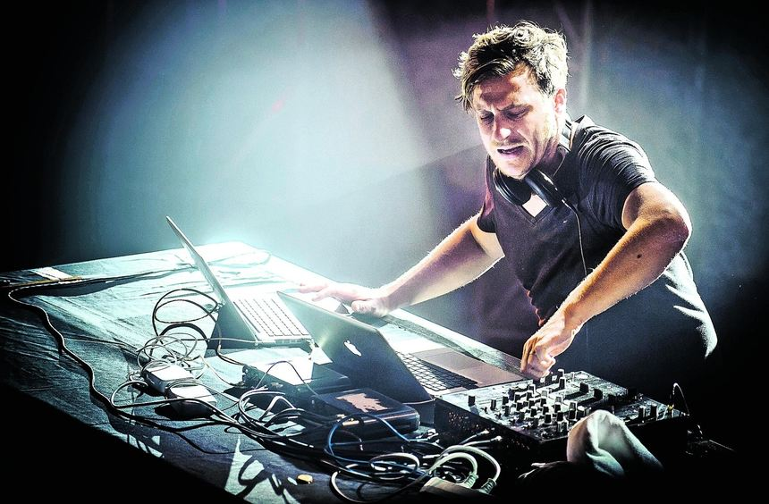 Hinter dem Pseudonym Parov Stelar verbirgt sich der Linzer DJ und Produzent Marcus Füreder.