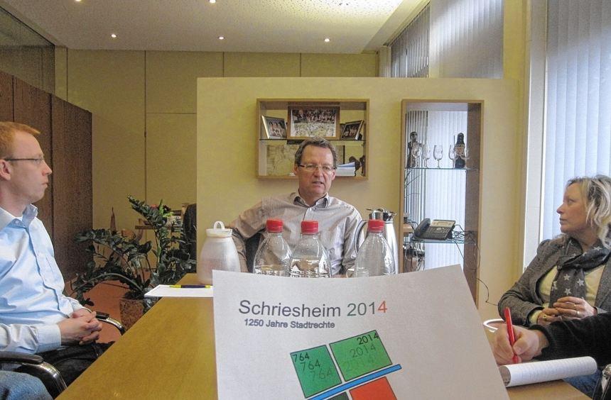 So sieht es aus: das Logo für Schriesheims Stadtjubiläum 2014. Seine Urheberin, Stadtbaumeisterin ...