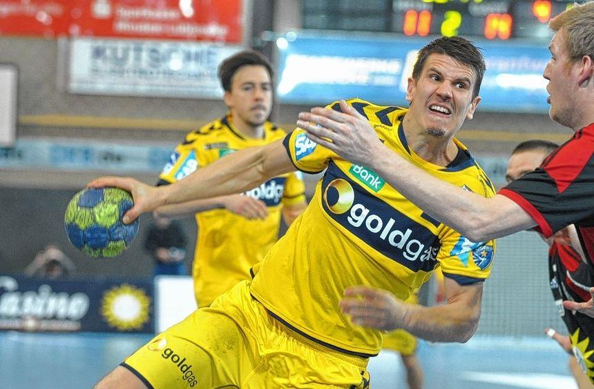 Der Einsatz von Andy Schmid half nur bedingt: Die Rhein-Neckar Löwen ließen in Lübbecke einen Punkt ...