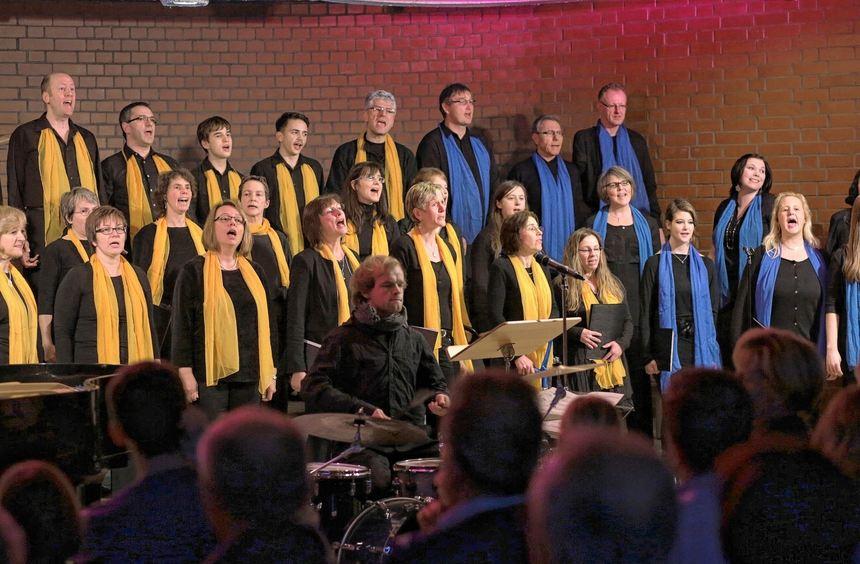Konzert des Gospelchors Vogelstang unter Leitung von Sebastian Osswald im evangelischen ...