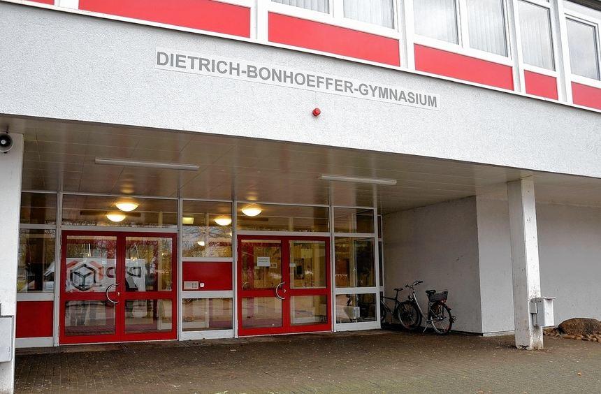 Nur mit G 9 hat das Bonhoeffer-Gymnasium eine Zukunft, stellen Schulleitung und Stadtverwaltung ...