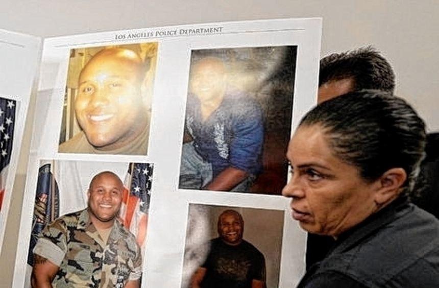 Mit Plakaten suchte die Polizei nach ihrem Ex-Kollegen.