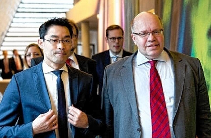 Wollen die EEG-Umlage festschreiben: Rösler (links) und Altmaier.