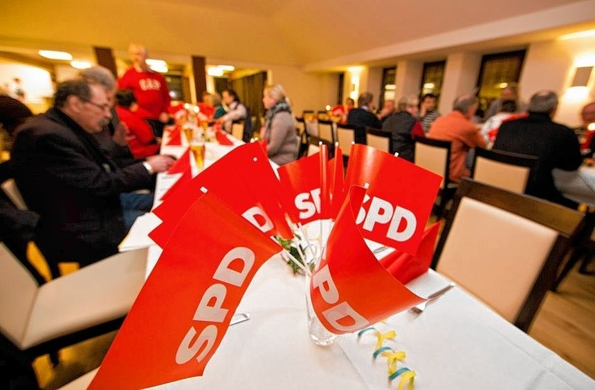 Beim Politischen Aschermittwoch startete die SPD in den Wahlkampf. Klar, dass die schwarz-gelben ...