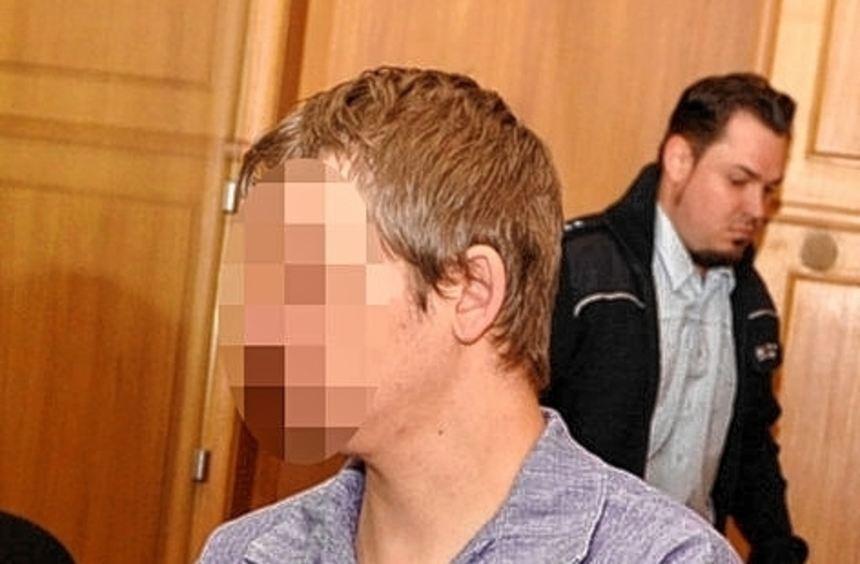 Der Angeklagte Christian S. vor dem Landgericht in Heilbronn.
