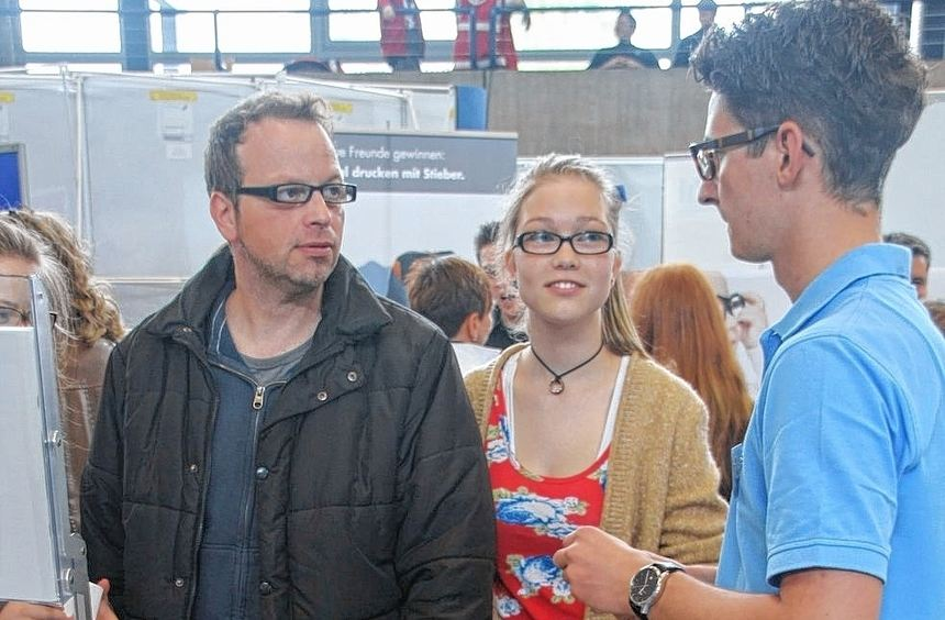 Die von IHK, Handwerkskammer und Agentur für Arbeit gemeinsam veranstalteten Bildungsmesse in der ...