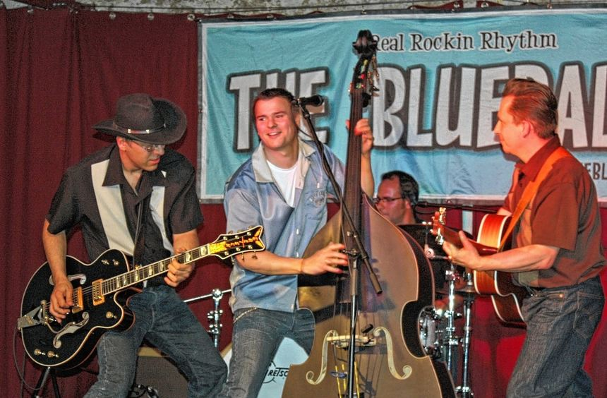 """Rock 'n' Roll vom Feinsten bot die Band """"The Blueballs"""" am Samstagabend im Wert-heimer ..."""