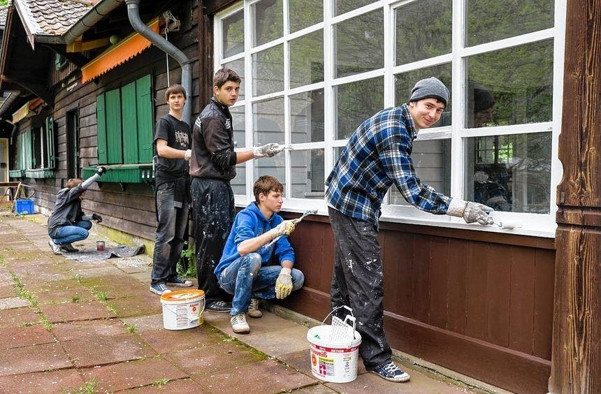 Jugendliche aus der Ukraine renovierten die Marienhütte. Doch es blieb auch Zeit, die Stadt ...