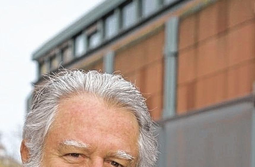 James Turrell 2008 vor der Mannheimer Kunsthalle.