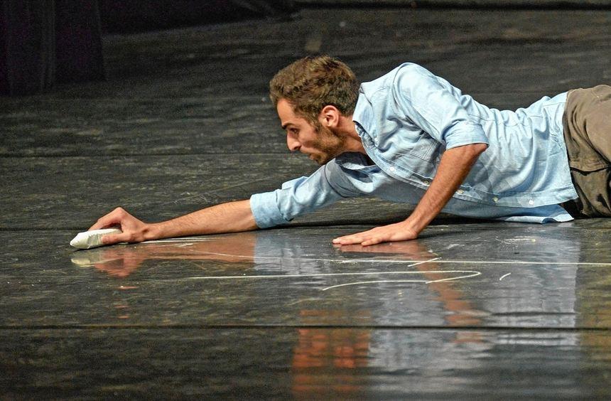 Auf leerer Bühne wagte Hadi Khanjanpour den Sprung ins kalte Wasser und bescherte der Woche junger ...